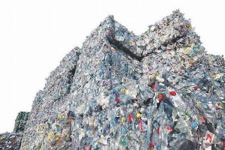 """""""Bottle-to-Bottle-Recycling muss sich etablieren"""""""