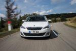 Kompakte Rivalen: Peugeot 308 und Seat León