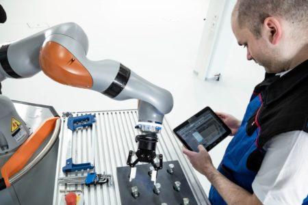 Roboter schaffen Jobs
