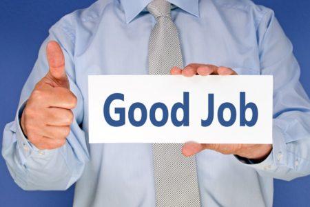 Führungskräfte stellen Arbeitgebern gutes Zeugnis aus