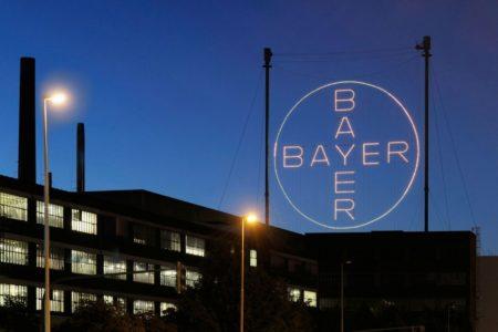 Bayer mit Milliardenverlust