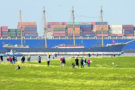 Flying-P-Liner Peking nimmt Kurs auf Hamburg