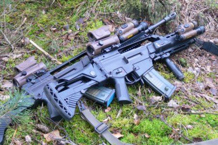 Erst mit dem Sturmgewehr tauchen, dann schießen