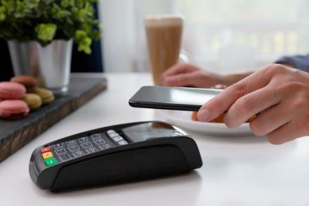 79 % der Deutschen zahlen lieber kontaktlos