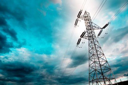 """Stromtrassen sollen """"in hohem Tempo"""" genehmigt werden"""