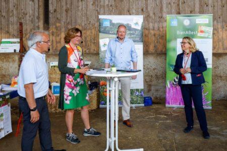 Svenja Schulze: BMU fördert Initiativen zum Insektenschutz