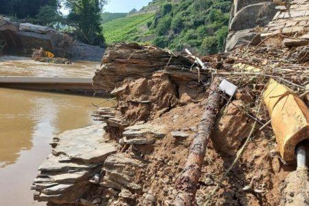 Flut zerstört Mobilfunk und Festnetz