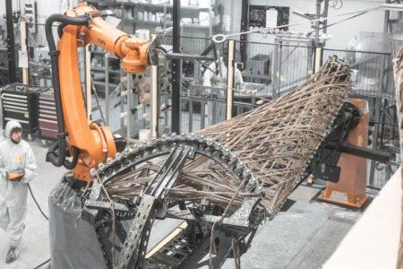 Roboter fertigt Gebäude aus Naturfasern