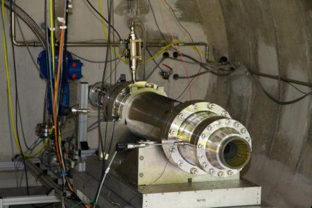 DLR testet hybriden Raketenantrieb