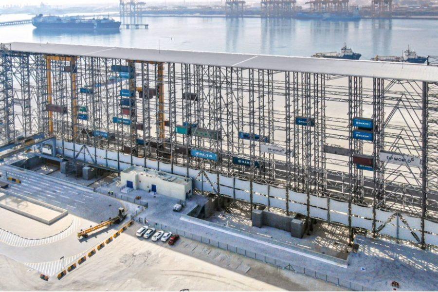 Hochregallager für Seecontainer in Dubai erfolgreich getestet