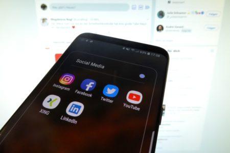 Social Media: Nur wenige folgen Politikern und Politikerinnen